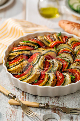 Tapeta Vegetable tian, Provencal vegetable casserole, delicious and nutritious vegetarian meal