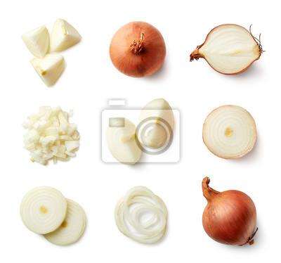 Zestaw świeżych cebuli całe i krojone